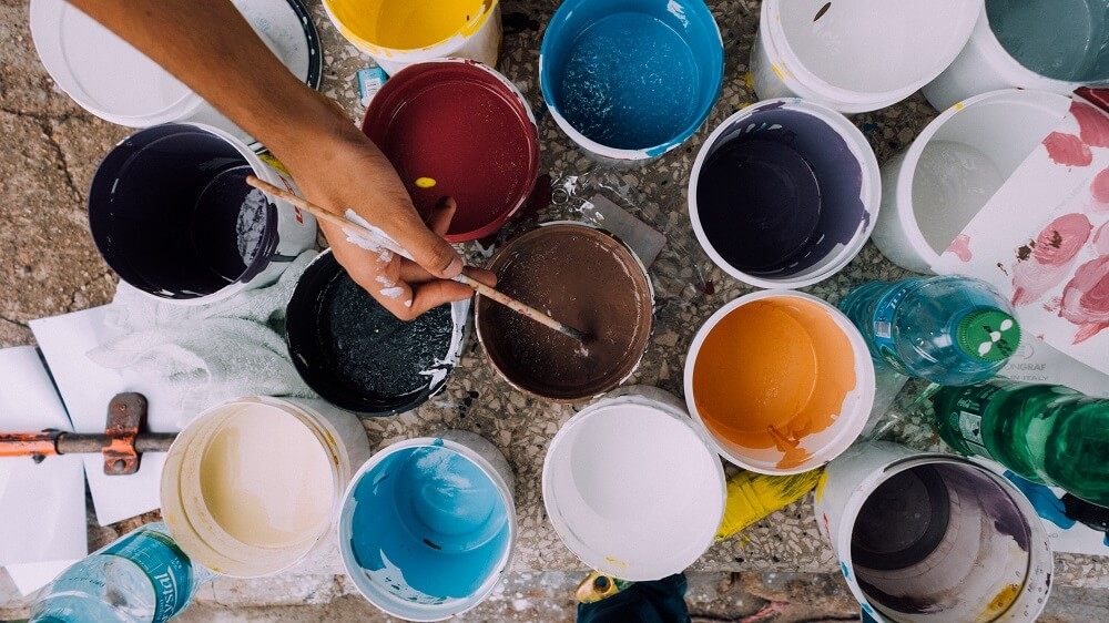 pot de peinture